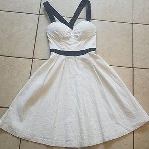 Bebe Little White Dress 🖤🌼